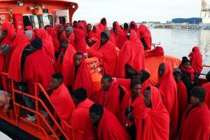 Dėl pabėgėlių Paryžius ir Londonas stiprina patruliavimą Lamanšo sąsiauryje