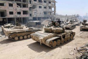 Sirijoje smogta vyriausybės oro pajėgų bazei, esama aukų