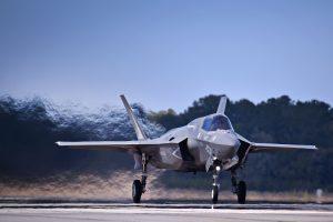 Lenkija ketina įsigyti amerikietiškų naikintuvų