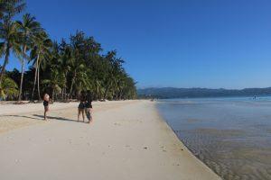Turistų gausiausiai lankomiems rojaus kampeliams gresia pavojus