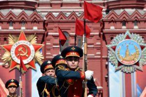 1917 m. revoliucijų sukaktys skaldo Rusiją