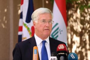 Gynybos sekretorius: Britanija priešinsis bendros ES kariuomenės idėjai