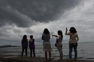 Milijonai filipiniečių įspėti dėl galingo taifūno