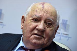 M. Gorbačiovas ragina V. Putiną ir D. Trumpą atkurti pasitikėjimą tarp abiejų šalių