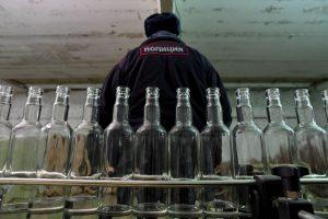 Rusijoje nuo surogatinio alkoholio mirusių žmonių skaičius padidėjo iki 76