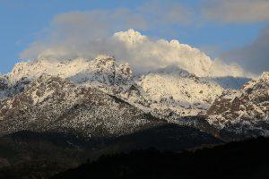 Prancūzijos Alpėse užgriuvus sniego lavinai žuvo mažiausiai keturi žmonės