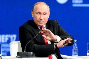 V. Putinas dar kartą paneigė, kad Rusija kišosi į JAV rinkimus