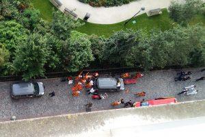 Paryžiaus priemiestyje automobiliui įsirėžus į karius sužeisti šeši žmonės