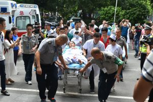 Kinijoje per stiprų žemės drebėjimą žuvo mažiausiai 19 žmonių