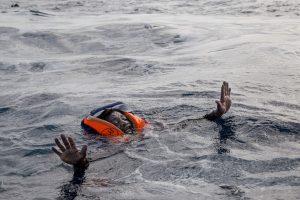 Nuskendus migrantų laivui žuvo trys kūdikiai, 100 žmonių dingo