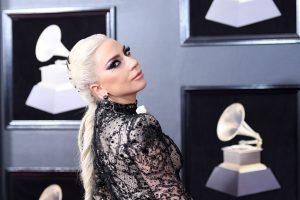 Lady Gaga atšaukė 10 koncertų Europoje
