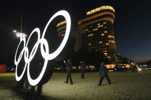Daliai Rusijos sportininkų bus leista dalyvauti Pjongčango olimpiadoje?