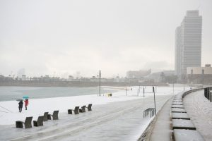 Katalonijoje kalbas apie politiką pakeitė šnekos apie sniegą