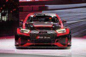 """Į Lietuvą trumpam užsuko sportiškasis """"Audi RS 3 LMS"""""""