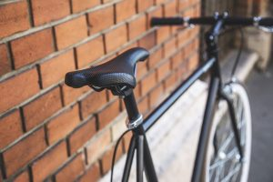 Sunkiai dviratininką sužalojęs vairuotojas turės atlyginti 38 tūkst. eurų žalą