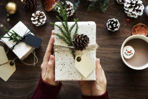 Penki patarimai siunčiantiems kalėdines dovanas paštu