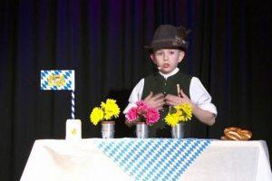 Dešimtmetis magas iš Vokietijos savo pasirodymų siužetus kuria pats