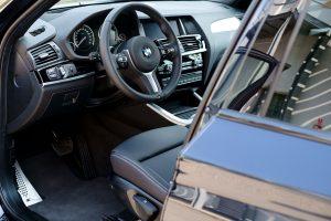 Lietuviai įsigyja daugiau ir brangesnių automobilių