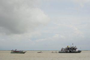 Prie Bangladešo sienos nuskendus laivui dingo dešimtys pabėgėlių rohinjų