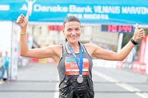Daugkartiniai maratono Vilniuje nugalėtojai: bėgdami apie medalius negalvojame