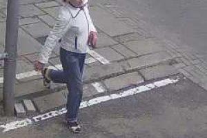 Kas gatvėje pasisavino svetimą rankinę?