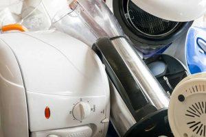 Smulkioms elektronikos atliekoms – ne vieta buitiniuose konteineriuose