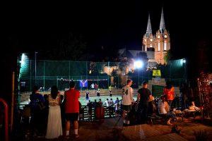 Vilkijoje debiutavo naktinio futbolo turnyras