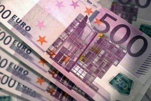 Neblaivus vairuotojas policininkus bandė papirkti 500 eurų kyšiu
