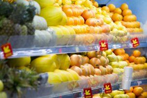 Antroji šventinių pirkinių banga: labiausiai šluoja vaisius ir daržoves