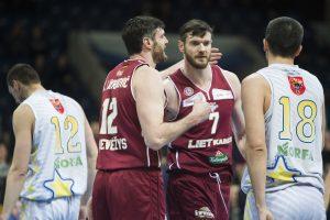 M. Bartuševičius krepšinio aikštelėje pabandė aplenkti brolius Lavrinovičius