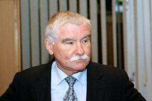 """Lietuvos bankas: """"Žemaitijos pienas"""" iš biržos bandė pasitraukti dirbtinai"""