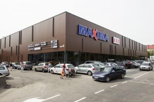"""""""Maxima"""" leidžiasi į mažų kainų drabužiams medžioklę"""