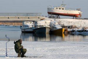 Kuršių mariose buvo įlūžęs žvejys