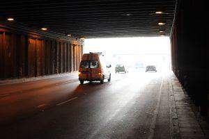 Geležinio Vilko gatvės tunelyje partrenktas vyras