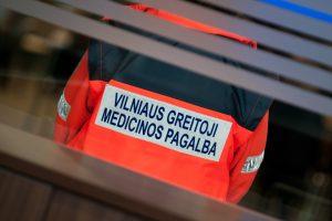 Vilniuje per avariją nukentėjo sulaikytoji