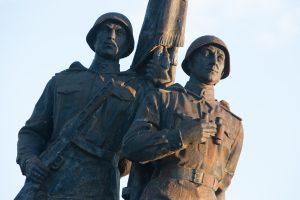 Sovietiniai paminklai – ginklas Rusijos rankose
