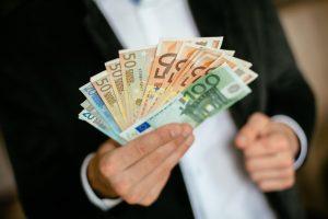 VTEK siūlo sumažinti lobisto registracijos mokestį
