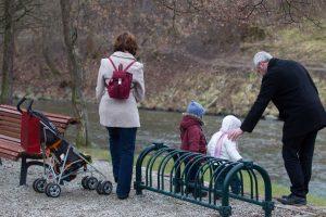 Šeimos stiprinimo įstatymas: reali parama ar tik lozungų rinkinys?