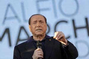 Buvęs Italijos premjeras S. Berlusconi pateko į ligoninę