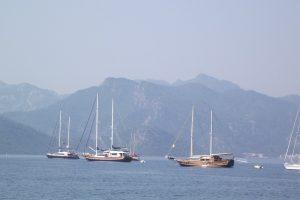 Prie populiaraus Turkijos kurorto apvirtus jachtai žuvo mažiausiai vienas žmogus