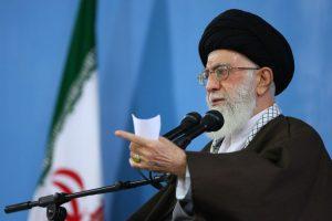 Irano aukščiausiasis lyderis pasmerkė ambasados užpuolimą