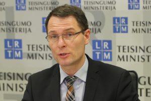Ministras: skolų išieškojimas taps skaidresnis ir pigesnis