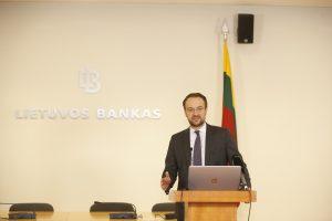 Lietuvos bankas: atlyginimų augimas nebus amžinas