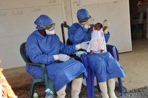 Gvinėjoje oficialiai paskelbta Ebolos karštinės pabaiga