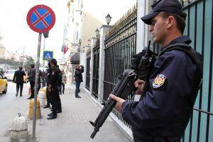 Nyderlandai dėl teroro grėsmės uždarė konsulatą Stambule
