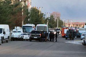 Rusijoje trys mirtininkai sprogdintojai atakavo policijos nuovadą