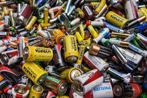 Kiek Lietuvos gyventojas nuperka baterijų?