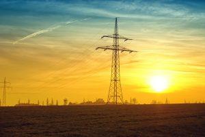 Nesitraukiantys šilti ir sausi orai didino elektros kainą