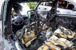 Automobilių gaisrai: po 10 minučių liepsnose – tik į sąvartyną