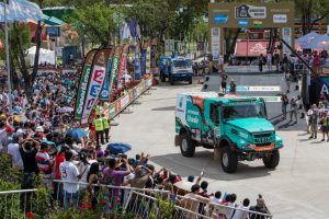"""Dakaras 2017"" – alpinizmas su automobiliais"